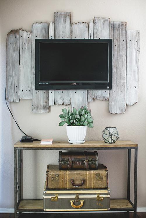 Kelli Murray's home decor with handmade touches / la casa de Kelli Murray decora con manualidades