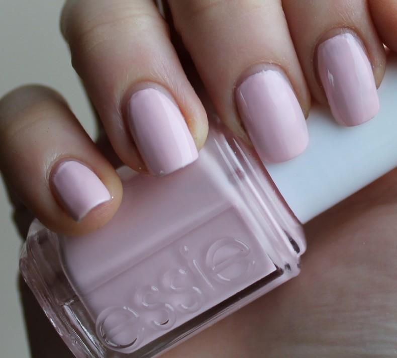 essie-polish-pinky-essie-ballet-slippers-polish-for-short-nails-essie-ballet-slippers