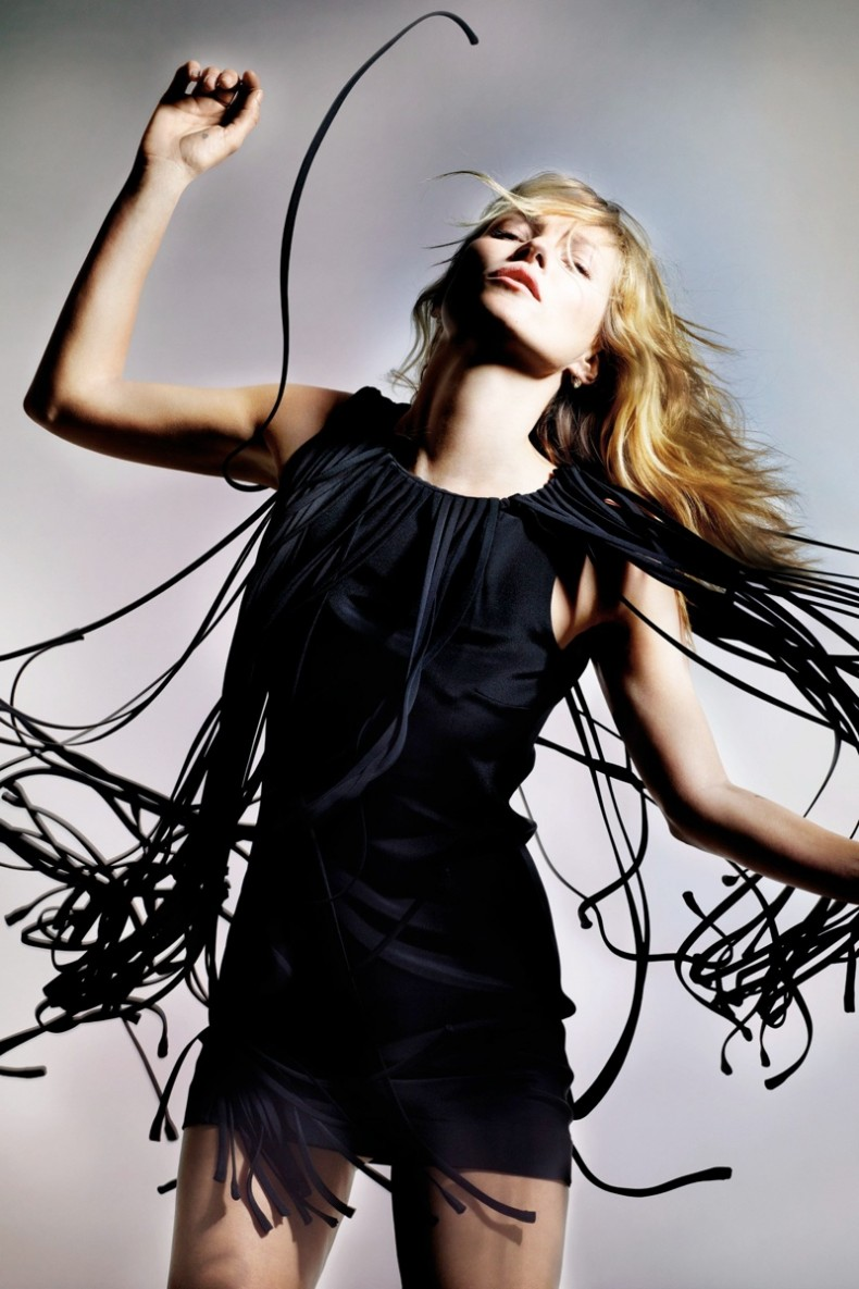 kate-moss-for-topshop-spring-2014-lookbook1.jpg.pagespeed.ce.T0CWQr-wlS