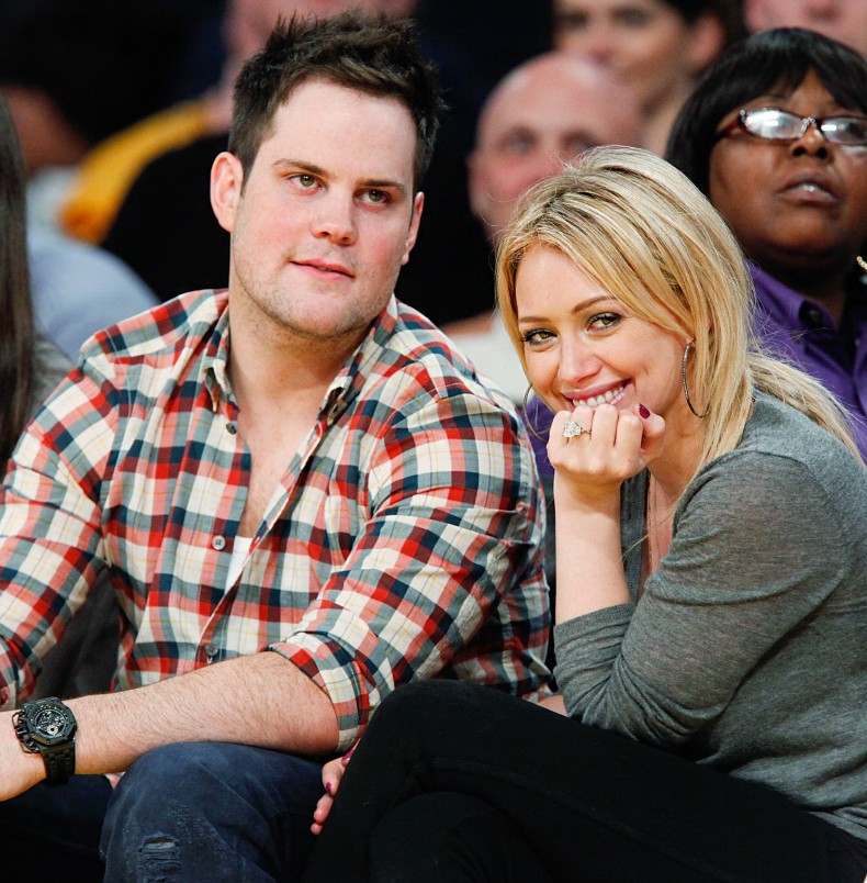 1329174578_mike-comrie-hilary-duff-zoom