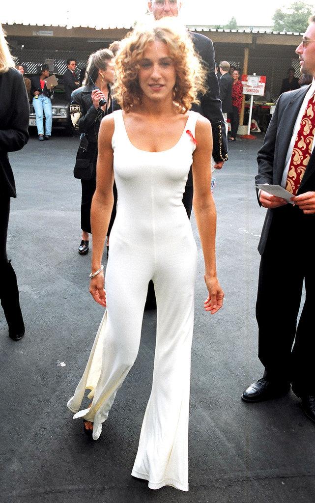 Carrie-Bradshaw-er-SJP-sported-white-jumpsuit