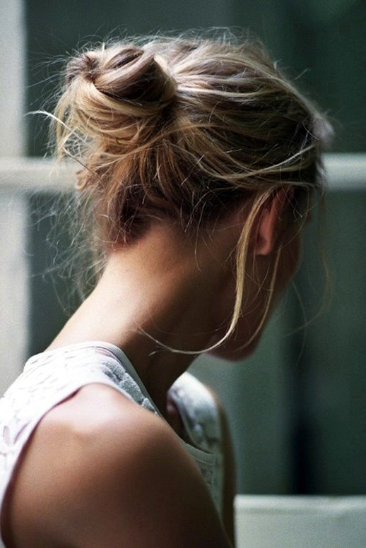 Le-Fashion-Blog-16-Buns-For-Any-Occasion-Hair-Inspiration-Via-Quentin-De-Briey