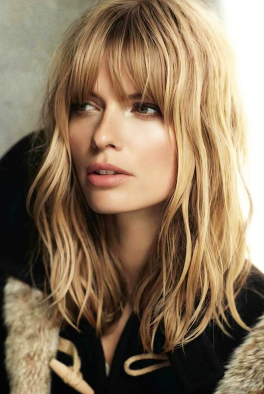 Le-Fashion-Blog-17-Hairstyles-With-Bangs-Best-For-Your-Face-Shape-Wavy-Hair-Model-Julia-Stegner-Vogue-Spain