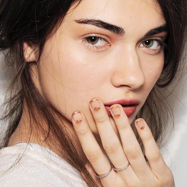 Gold-Manicure--612x612