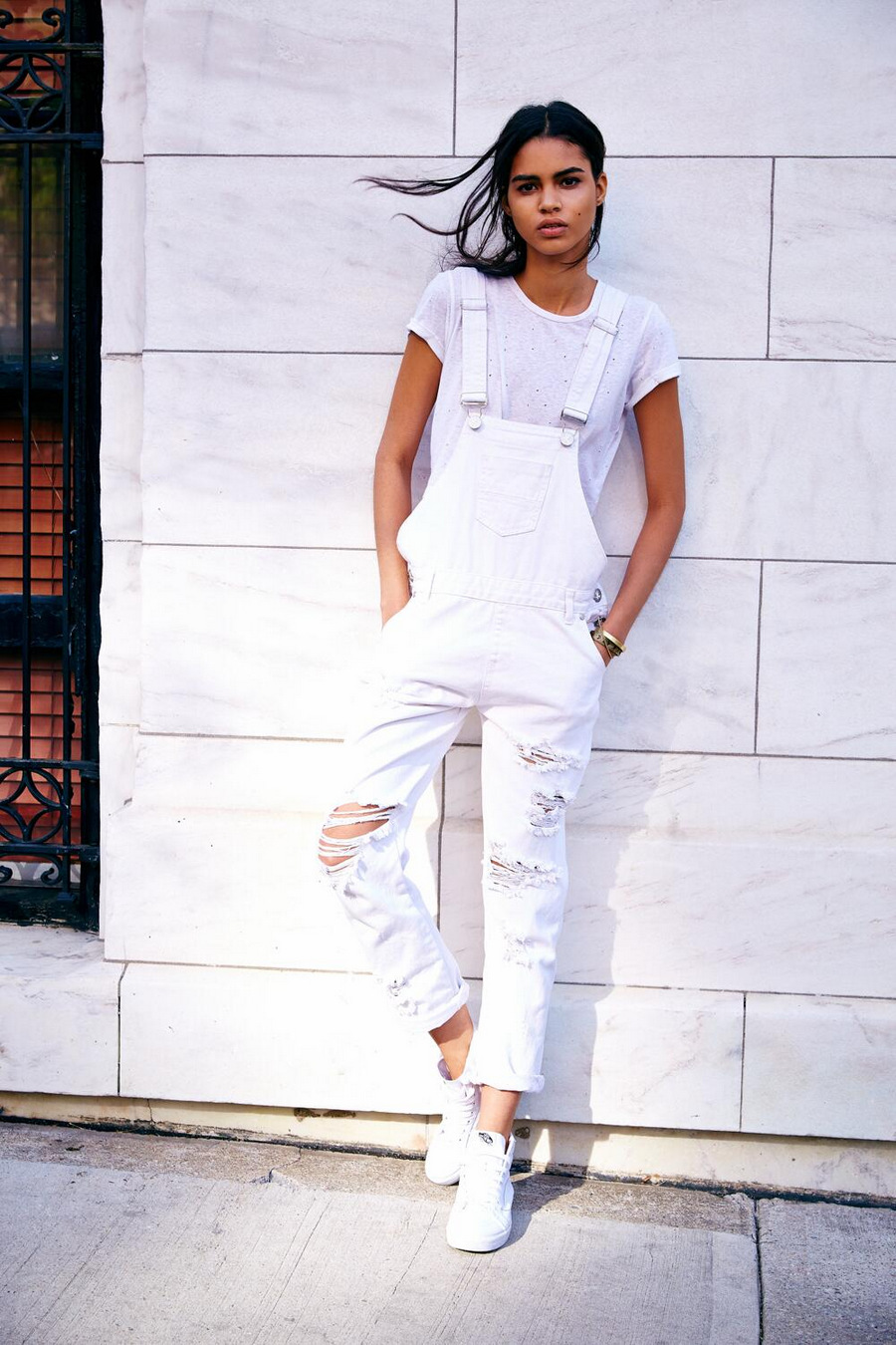 Urban-Outfitters-white-overalls