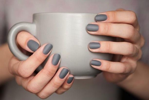matte-grey-nail-polish