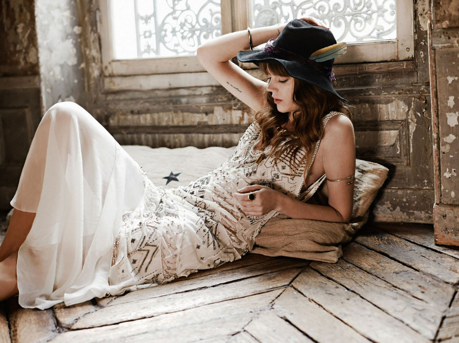 studded-hearts-freja-beha-erichsen-fred-meylan-glamour-france-august-2014-1