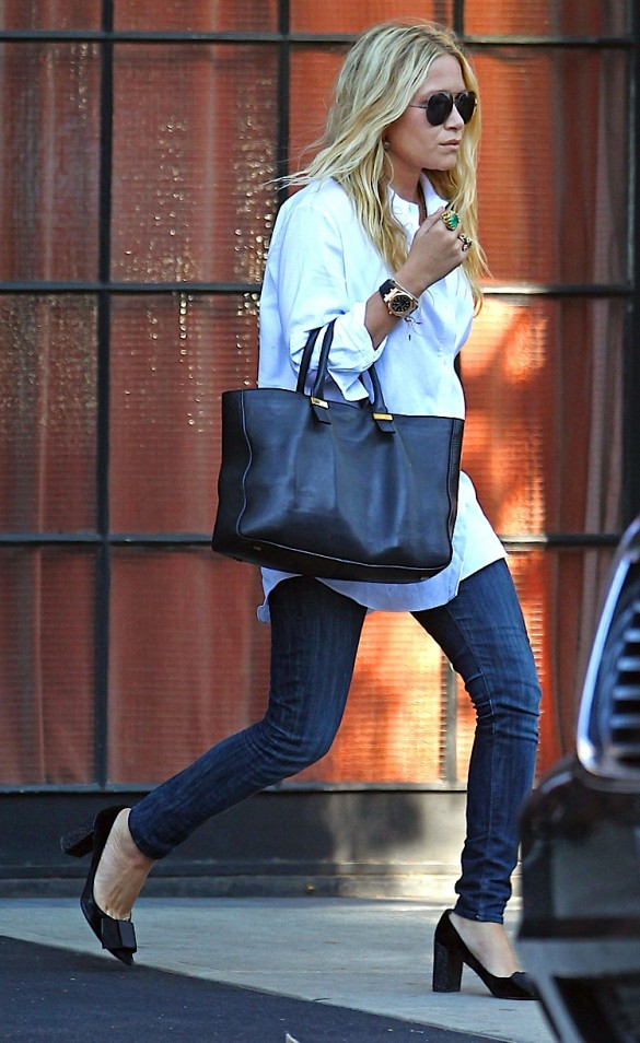 2011_mary-kate-and-ashley-olsen-leave-the-bowery-hotel-in-new-york-city4_fadedyouthblog