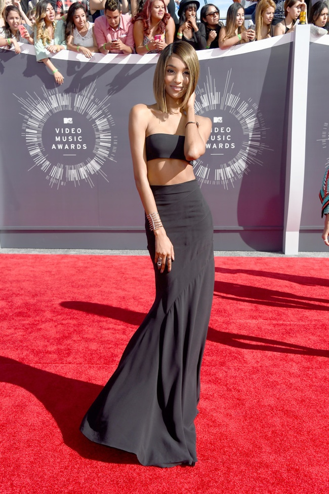 jourdan-dunn-crop-top-skirt-mtv-vmas