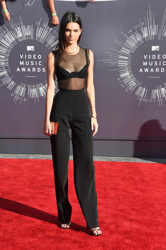 kendall-jenner-sheer-top-black-vmas