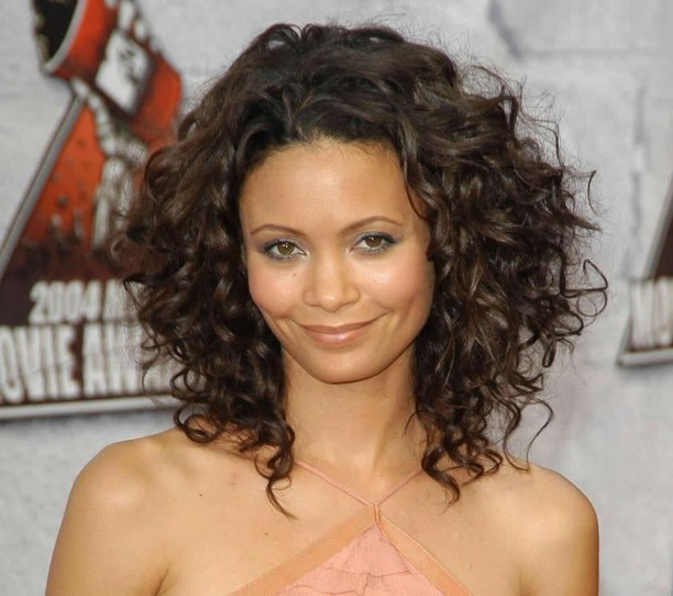 Medium-Length-Haircuts-for-Curly-Hair