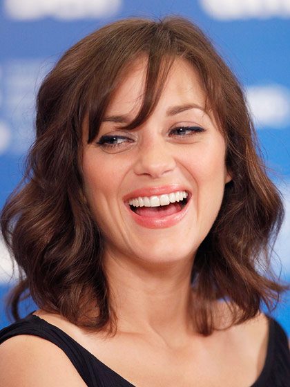 marion-cotillard-curly-haircut
