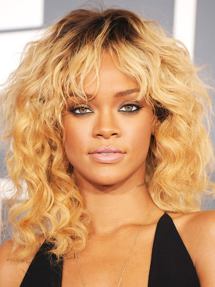 rihanna-curly-haircut
