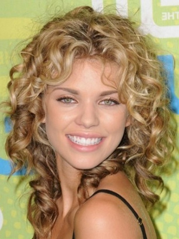 shoulder_length_curly_hairstyles_with_bangs_2_mid_length_hairstyles_with_bangsmost_wanted