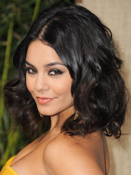 vanessa-hudgens-curly-haircut