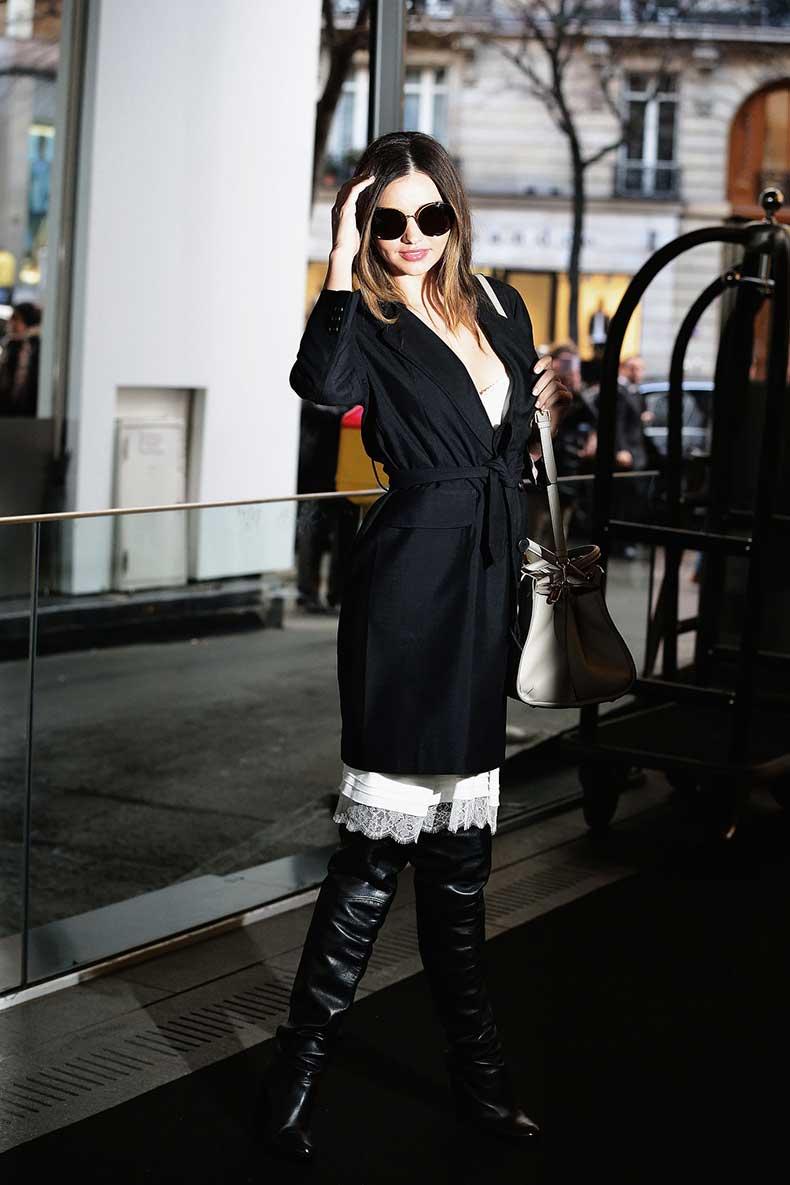 During-Paris-Fashion-Week-Miranda-left-Sonia-Rykiel-runway-show