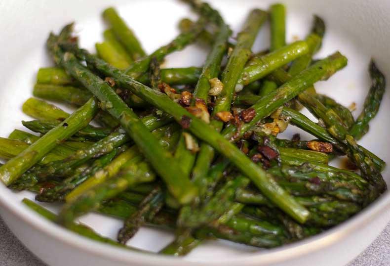 Green-Garlic-Roasted-Asparagus