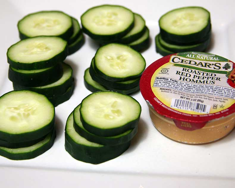 Hummus-Cucumber-Slices
