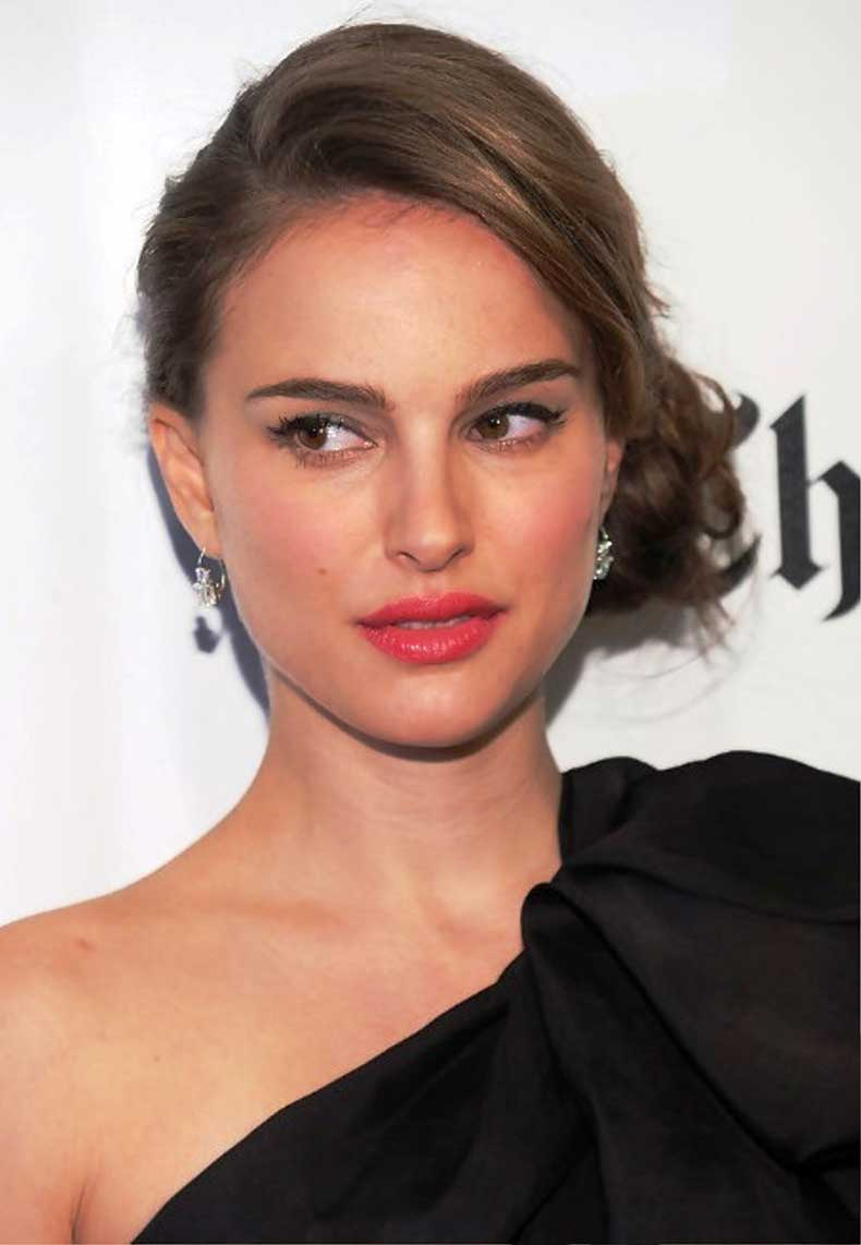 Natalie-Portman-Sophisticated-Side-Bun-Updo