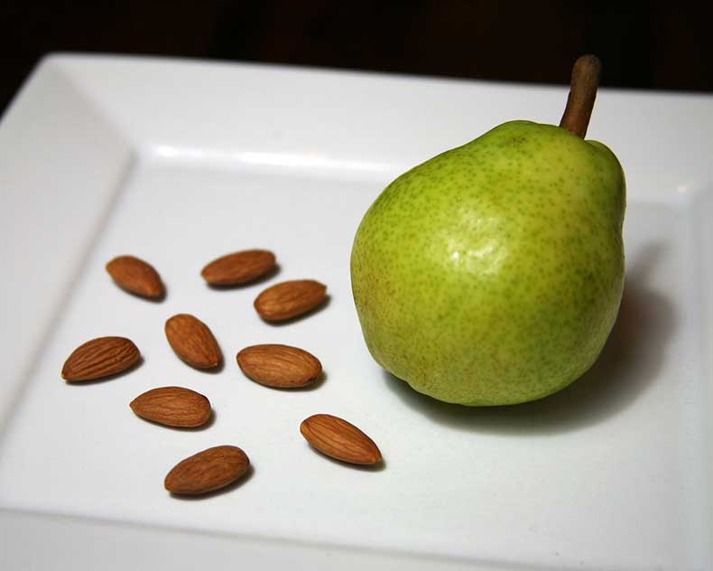 Pear-Almonds