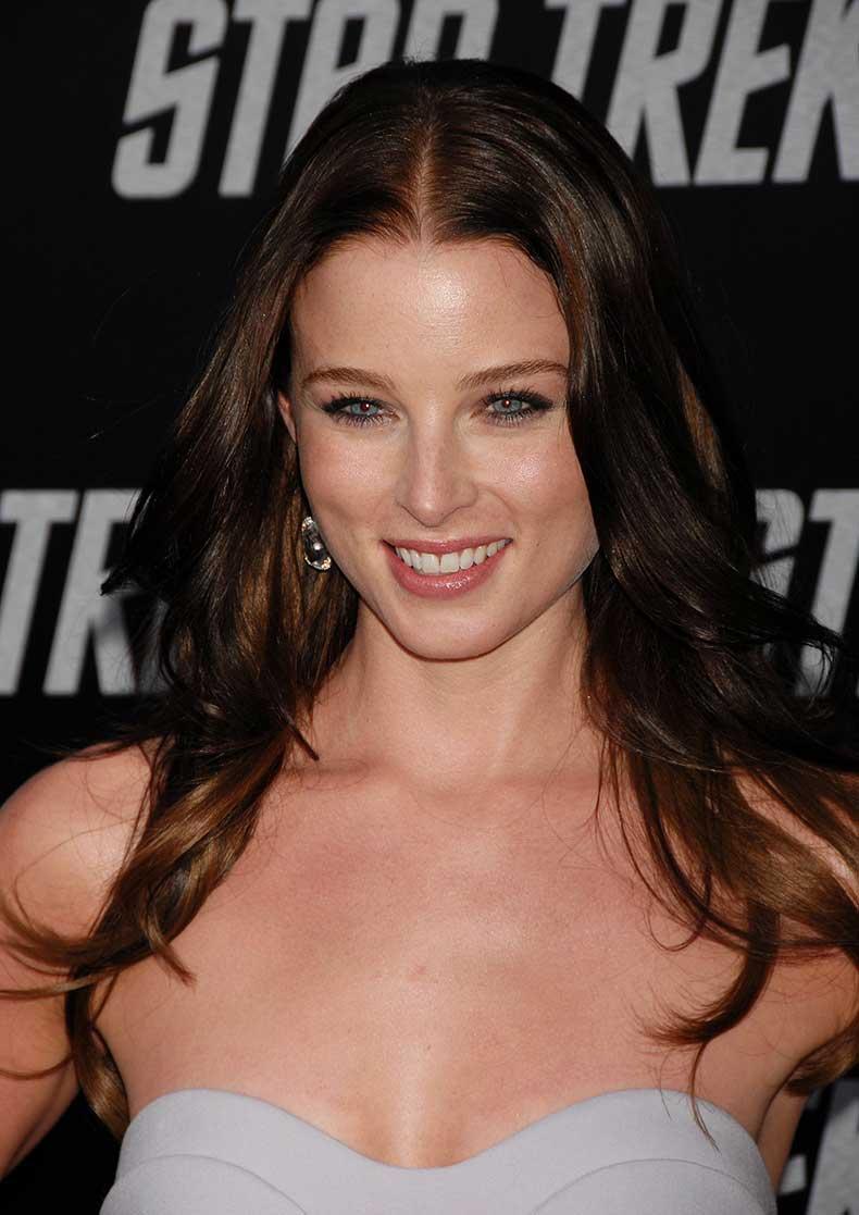 RachelNichols_Premiere-Of-Paramounts-Star-Trek_Vettri.Net-06
