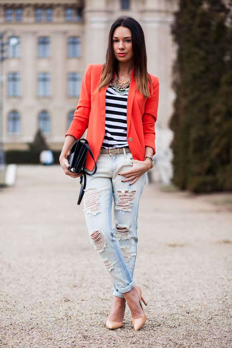Ripped-Boyfriend-Jeans-For-Women-Street-Style-10