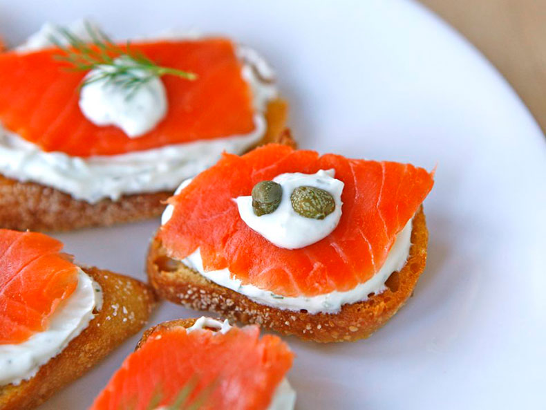 Smoked-Salmon-Crostini-Recipe-1