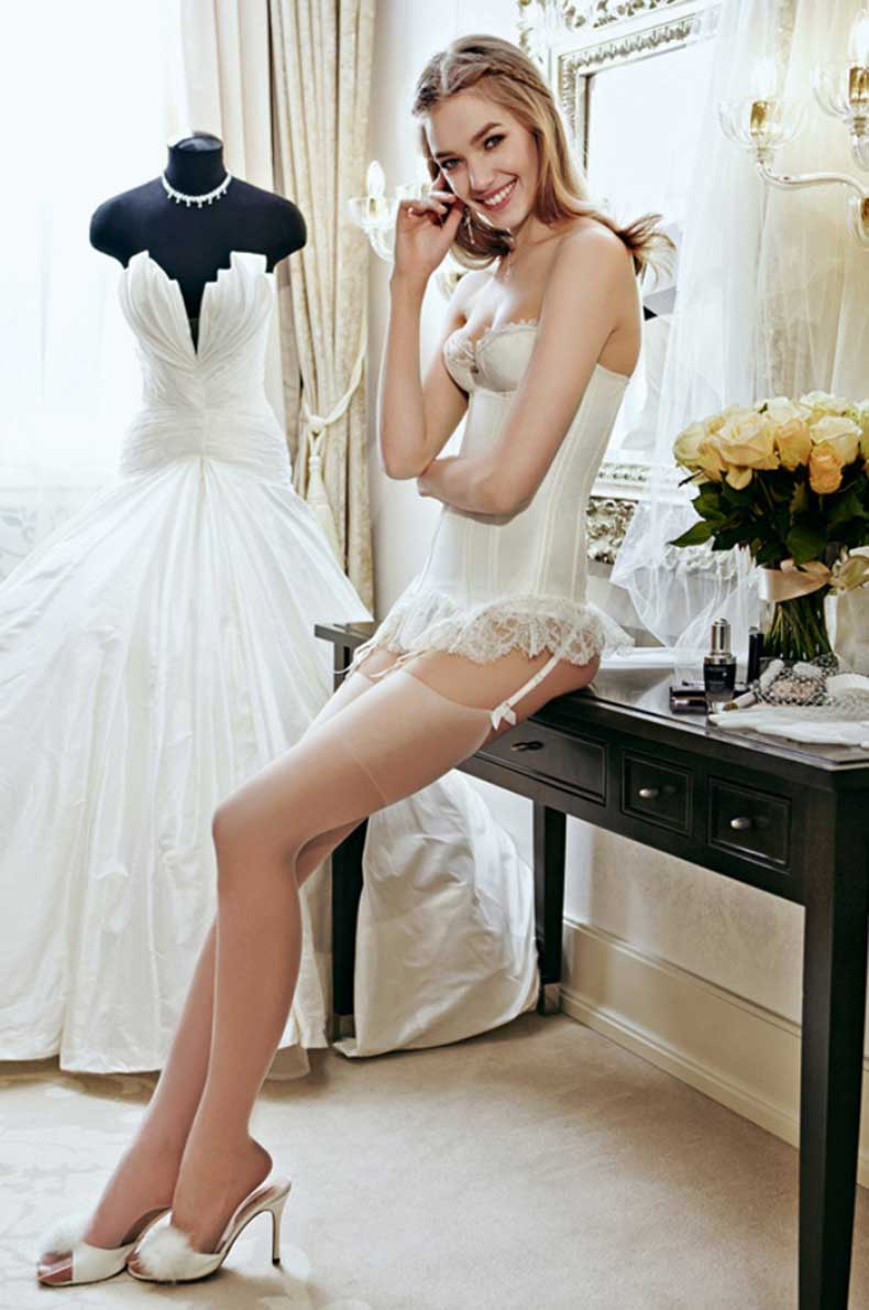 Vogue.ru-Best-Wedding-Dresses-1