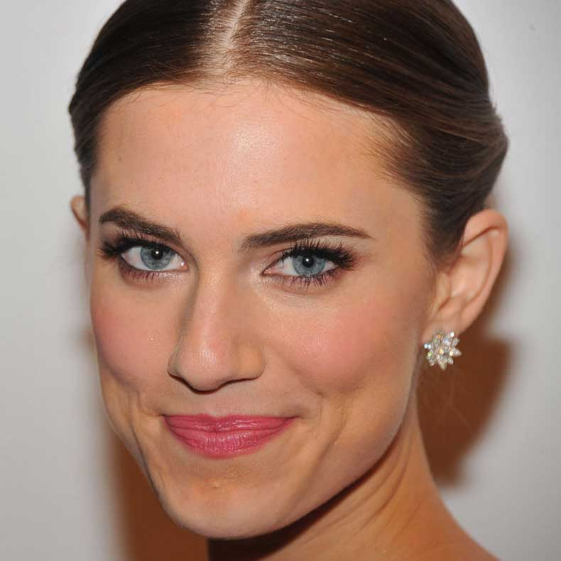 allison-williams-eye-makeup-girl-next-door-w724