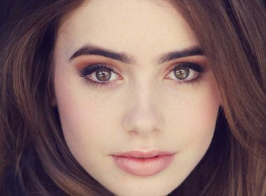 lily-collins-10323