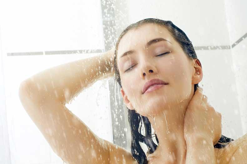 relaxing-hot-bath