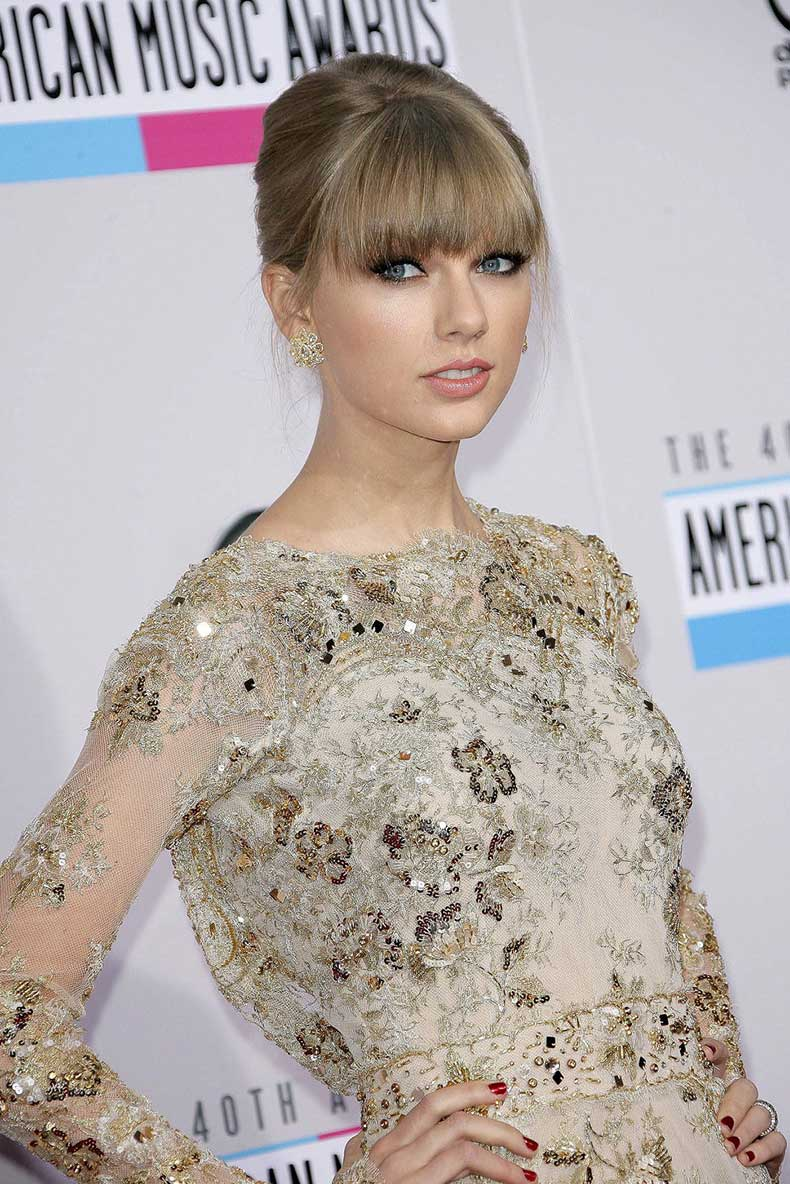 taylor_swift_golden_sequin_dre