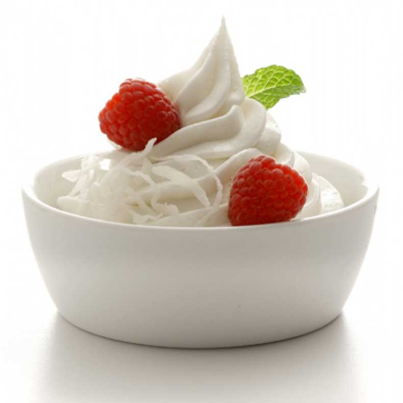 yoghurt-strawberries-900x900