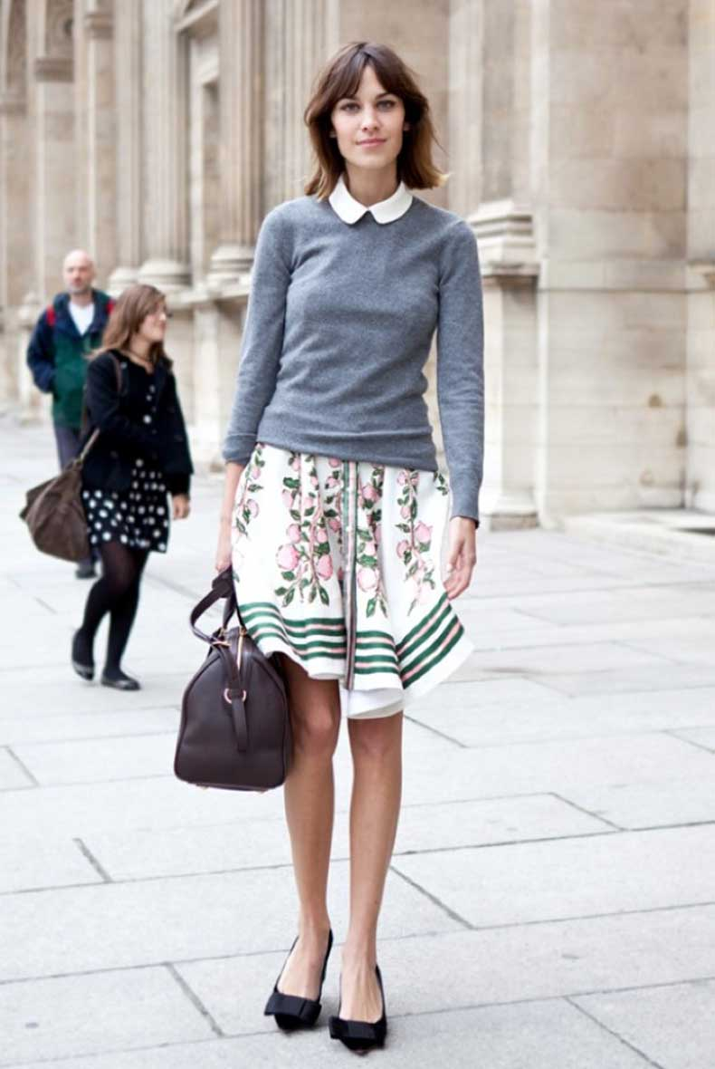 A-LOVE-IS-BLIND-ALEXA-CHUNG-PETER-PAN-COLLAR-GREY-GRAY-SWEATER-KNIT-FLORAL-PRINT-STRIPE-SKIRT-LOUIS-VUITTON-BAG-BOW-FLATS-WHITE-NAIL-POLISH-FASHION-WEEK-STREET-STYLE1