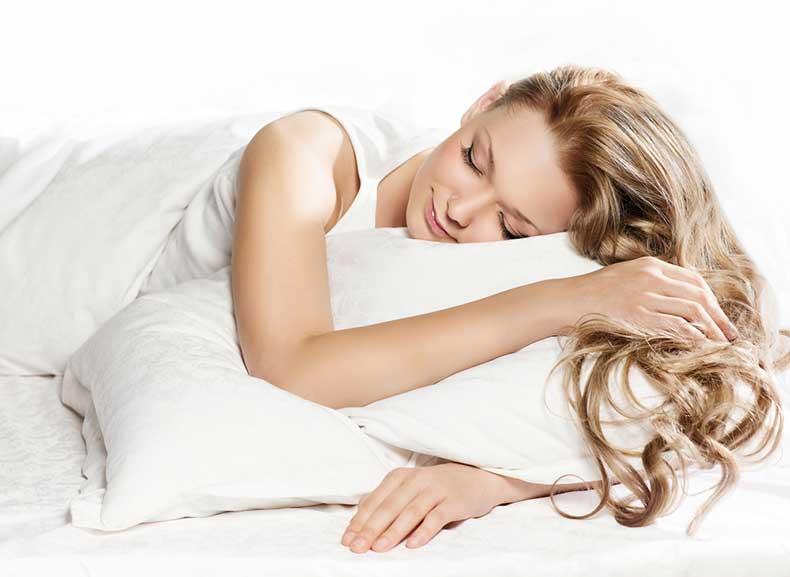 Bedtime-Beauty-Tips-For-Skin-Care-Cute-sleeping-girl