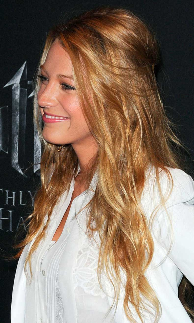 Blake-Lively-Pins-Some-Of-Her-Beachy-Waves-Into-A-Mini-Bouffant-For-A-Perfect-Red-Carpet-Hairstyle-With-Minimum-Fuss,-2011