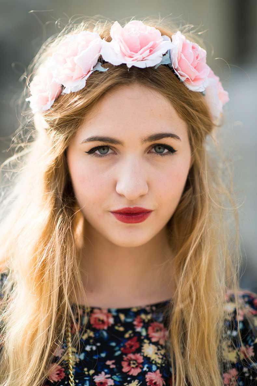 Elisa-Baudoin-flower-crown-moody-lipstick-combination-simply