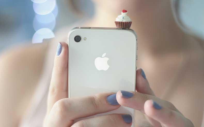 Girl-Iphone-Mood