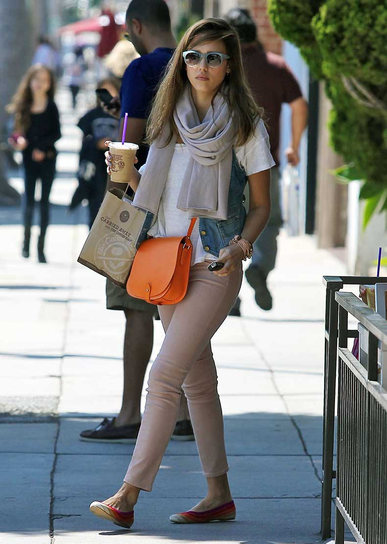 Jessica-Alba-injected-pop-pizzazz-her-street-style