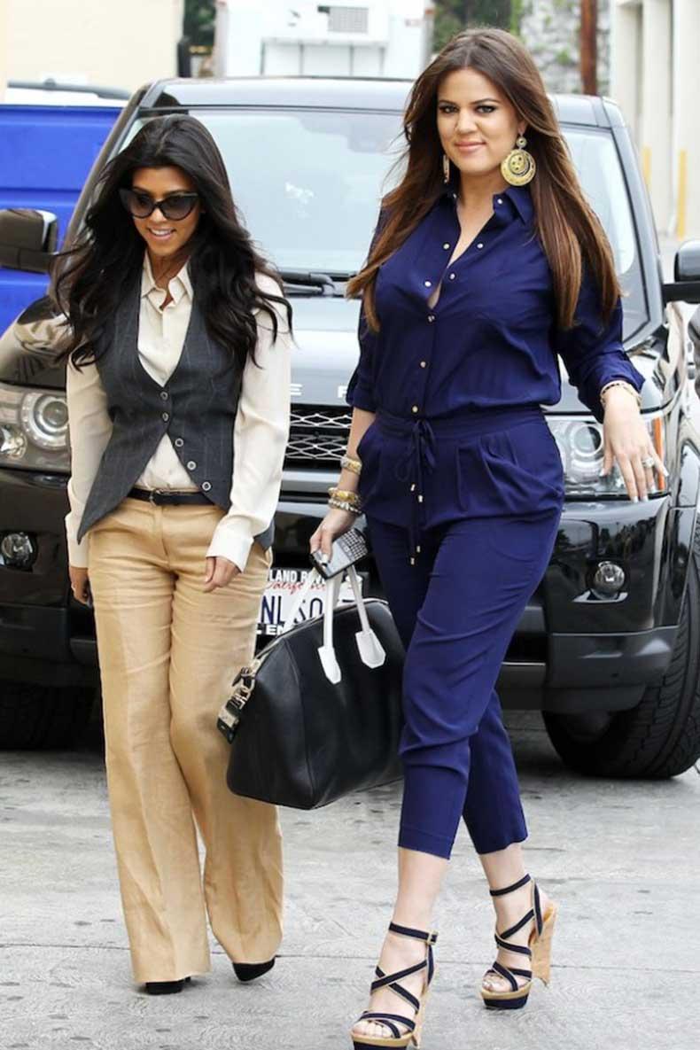 Khloe-Kardashian-Family-Lunch-Carousel-Restaurant-Glendale-0615110-580x870