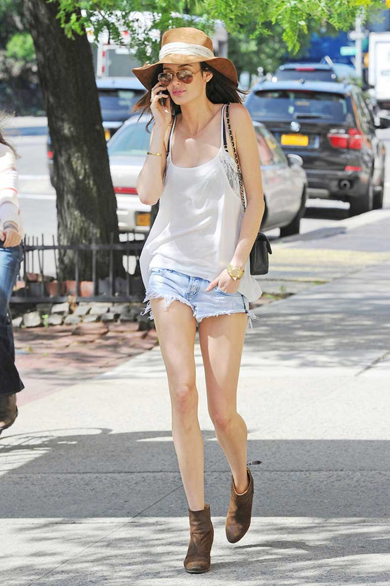 Nicole_Trunfio_dressed_denim_shorts_cutoffs-straw-hat-off-duty-rag&Bone-booties-newbury-summer-street-style-fashion-over-reason