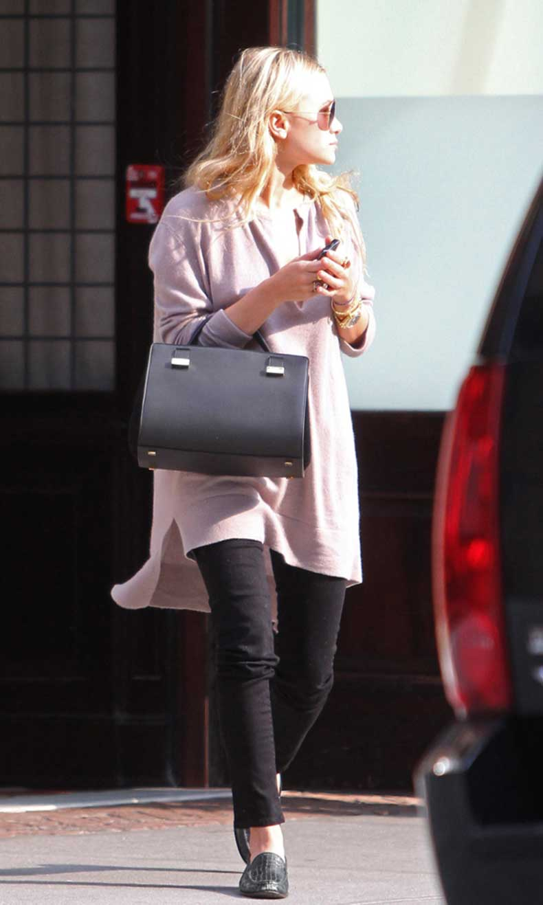 Olsens-Anonymous-Blog-Ashley-Olsen-Minimal-In-New-York-City-V-Neck-Oversized-Sweater-The-Row-Bag-Croc-Loafers