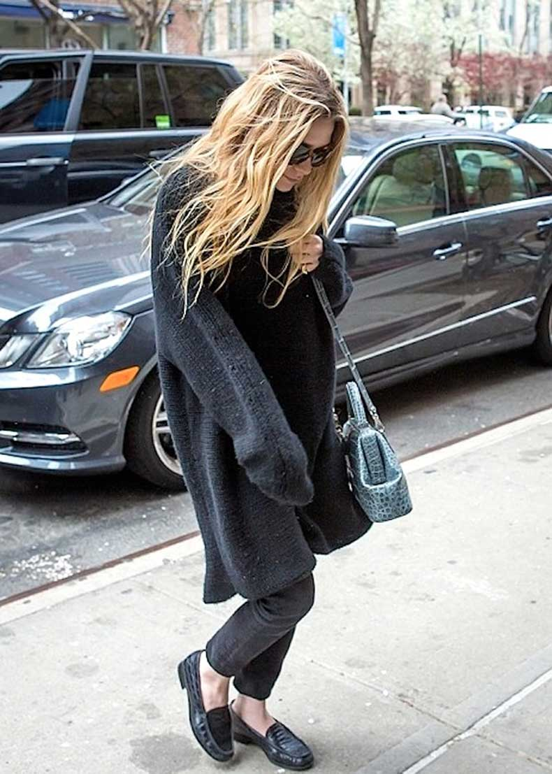 Olsens-Anonymous-Blog-Ashley-Olsen-Oversized-Sweater-And-Croc-Details-Nyc-The-Row-Bag-Denim-Loafers-Wavy-Hair