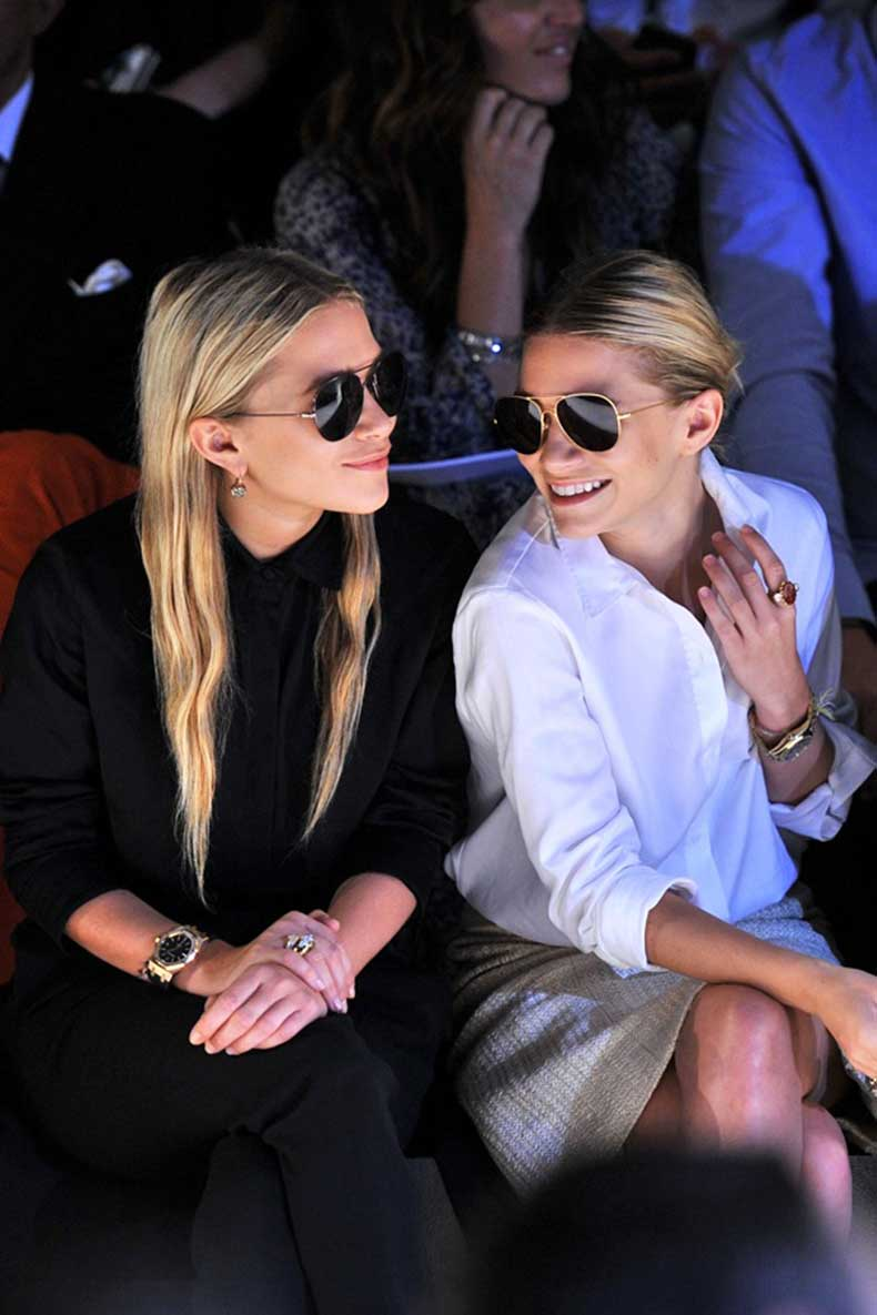 Olsens-Anonymous-Mary-Kate-Ashley-Olsen-Sunnies-And-Smiles-Fashion-Event-Jewelry-Watch-Neutral-All-Black