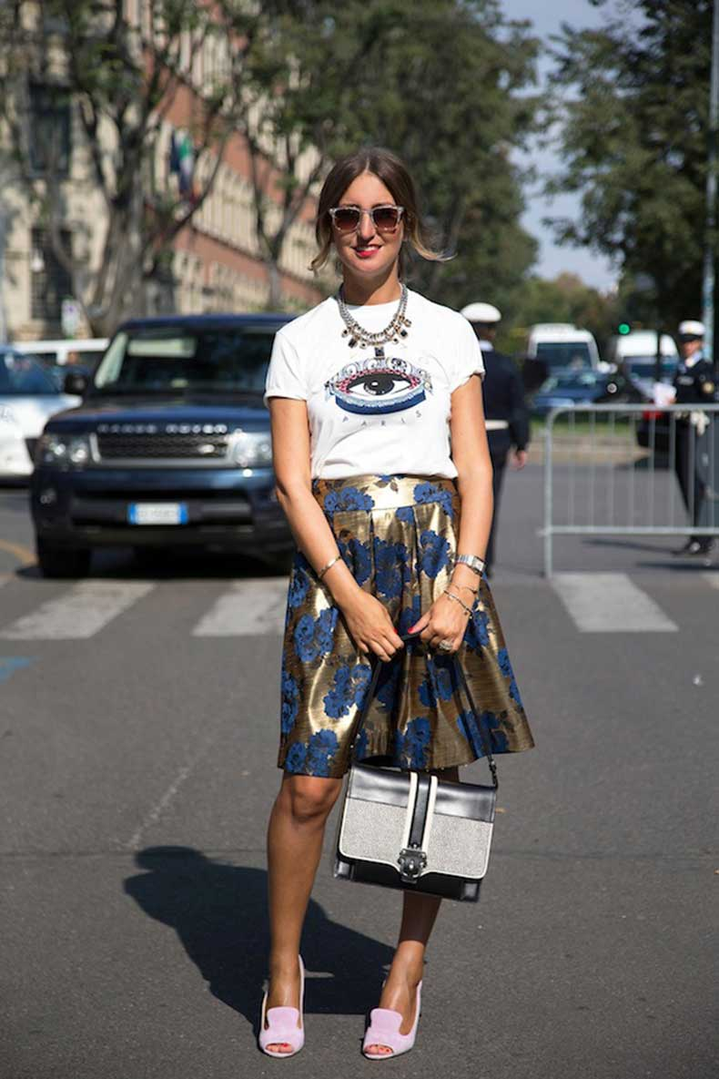 STREET-STYLE-GRAPHIC-TEE-AND-PRINTS-Elena-Braghieri