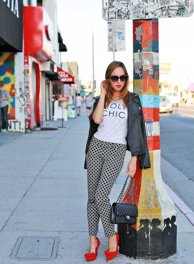 Sydne-Style-how-to-wear-a-graphic-tee-holy-chic-old-navy-street-style-los-angeles-blogger-printed-pants-red-lips