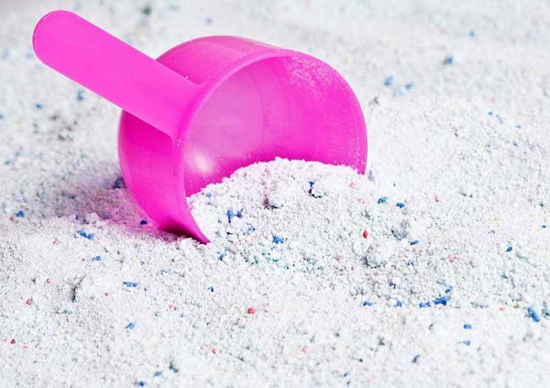 laundry-detergent-powder-vs-liquid-1