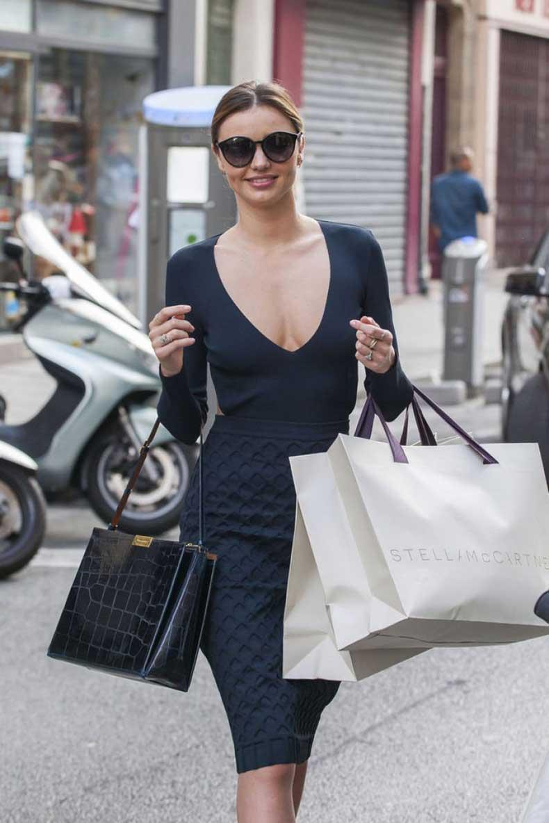 miranda-kerr-out-shopping-in-paris_6