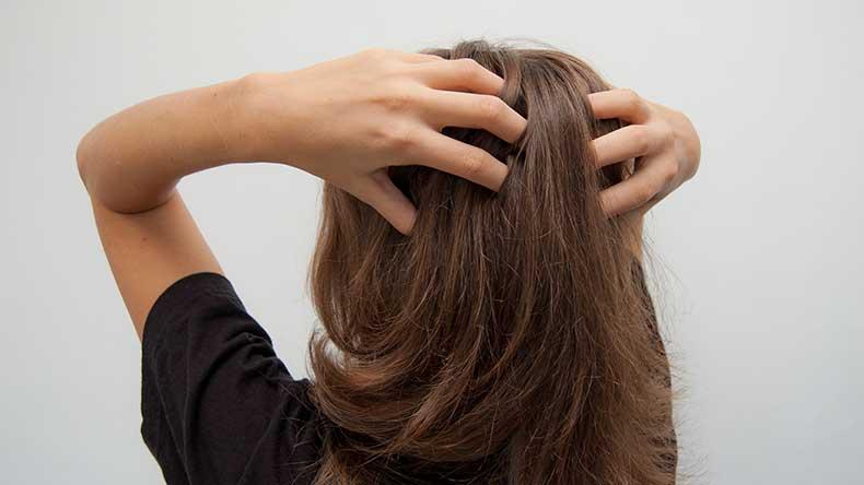 Massage-Hair-to-Help-Blood-Circulate-Through-Hair-Follicles-Step-2-Version-2