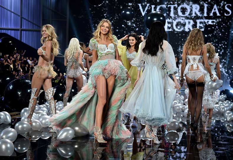 Victoria-Secret-Fashion-Show-2014-Pictures-23